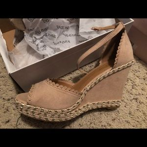 Perfect Neutral Wedges